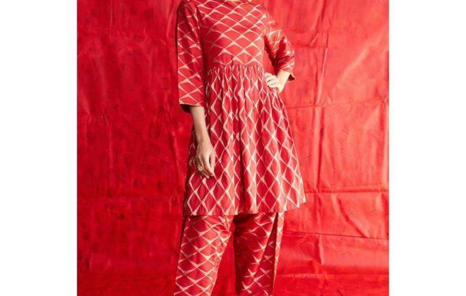Karishma Kapoor in Raw Mango